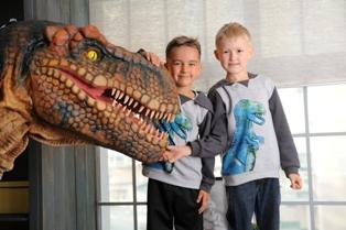 Фотосессии с динозавром