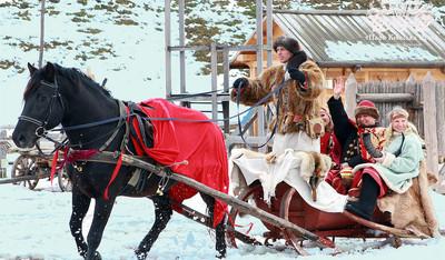 катание на лошадях на праздник